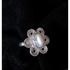 Tiny flower filigree ring